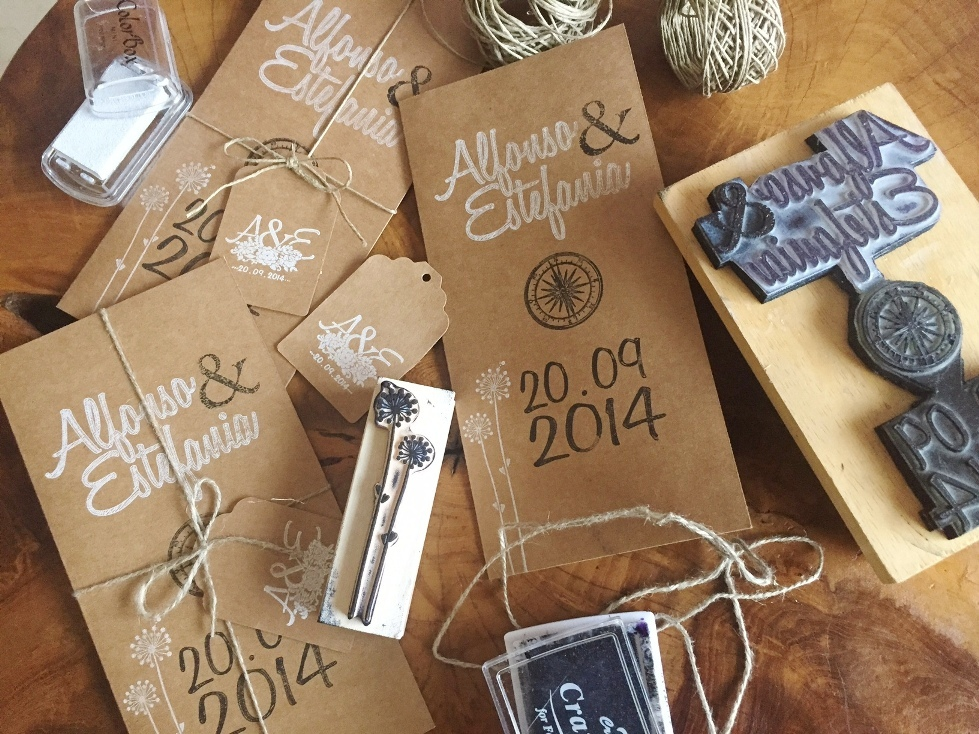 invitaciones boda papel kraft sello personalizado