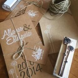 invitaciones boda tarjeton kraft sello tinta blanca