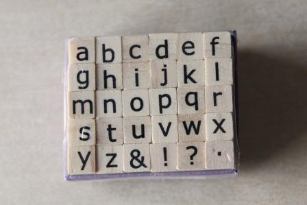 sellos alfabeto madera