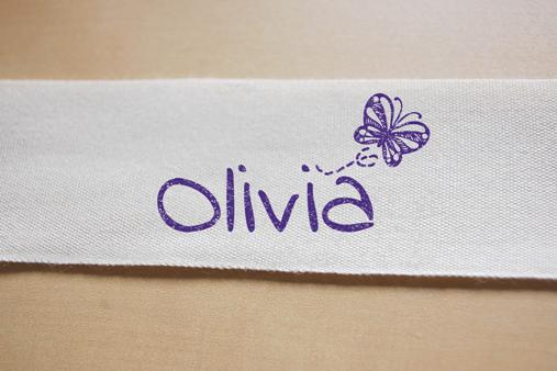 sello personalizado para marcar ropa de niña