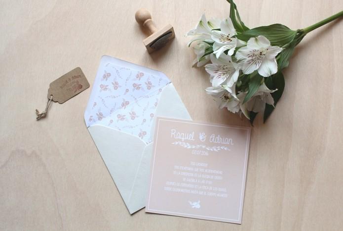 invitaciones de boda rustica con sobres forrados
