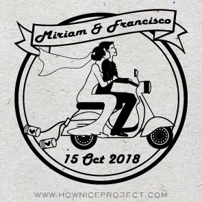 sello boda novios en moto vespa