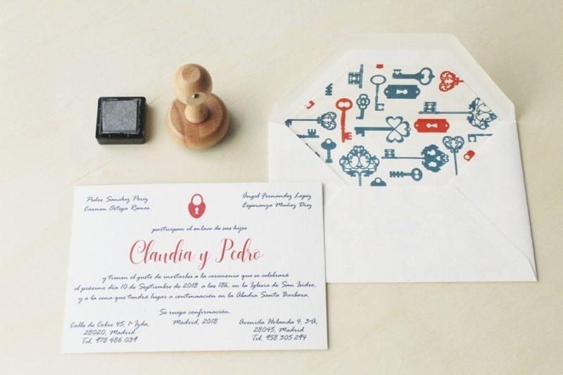 invitaciones clasicas con sobres forrados caligrafía