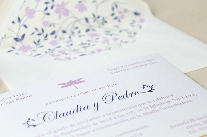 invitaciones de boda con sobres forrados a juego
