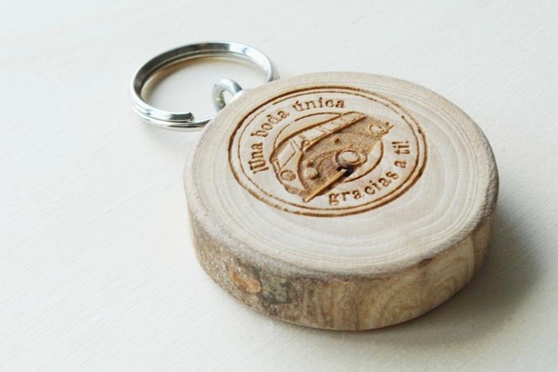 llaveros personalizados de madera regalos