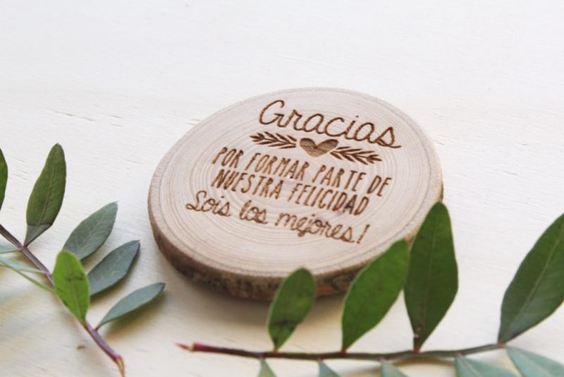 imanes personalizados hechos con madera natural
