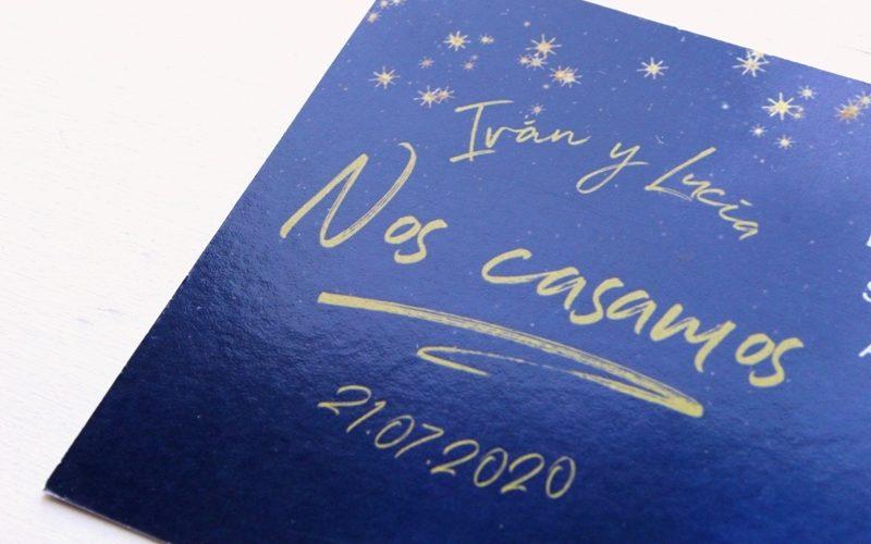 invitaciones de boda azul noche, dorado y blanco