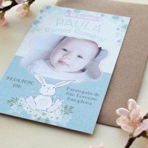 recordatorio bautizo conejo y flores