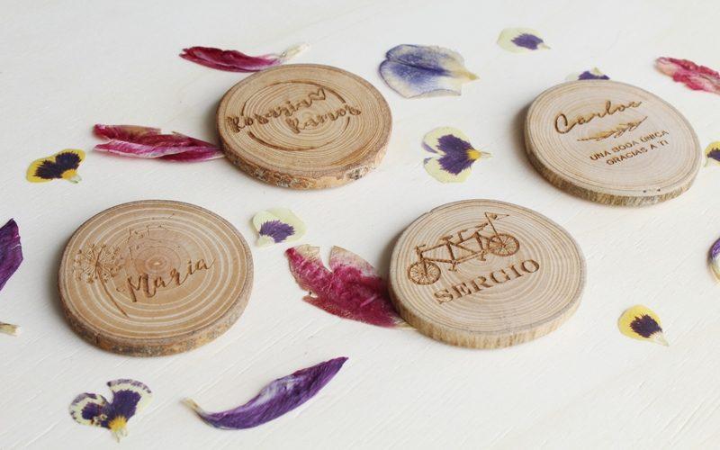 imanes de madera personalizados detalles de bodas